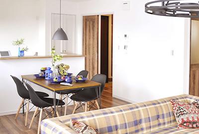 予算内でこだわりを追求できるから、お客様のカラーを反映させた家づくりが可能です。